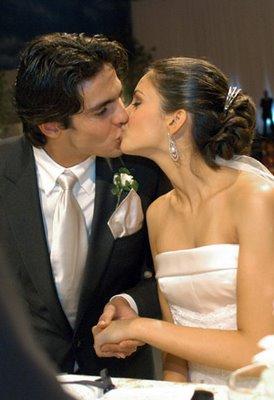 Foto Ciuman Paling Mesra | Hot Kissing Photos