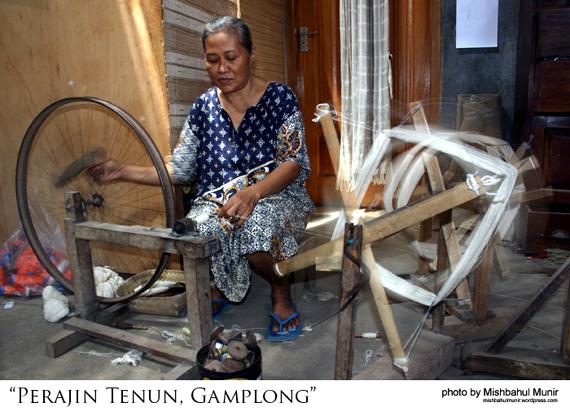 Jogja Tourism Pengrajin Perajin Tenun Gamplong by Misbah Fotografer Jogja
