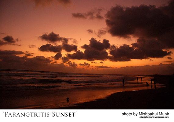 foto tempat wisata pantai parangtritis sunset beach by misbah fotografer jogja