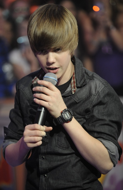 Foto Cakep Justin Bieber Performs Live at Much