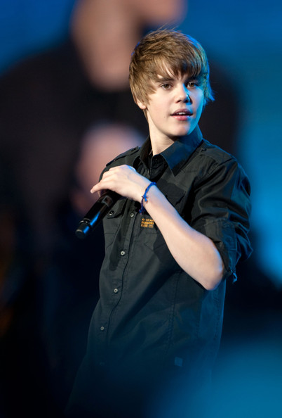 Foto Justin Bieber Performing Cute Cool Ganteng