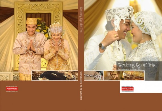 Cover Album Kolase Foto Pernikahan Wedding Book Colase for Ega & Tris Wedding di Palangkaraya Kalimantan Tengah by Poetrafoto Photography Fotografer Yogyakarta Indonesia