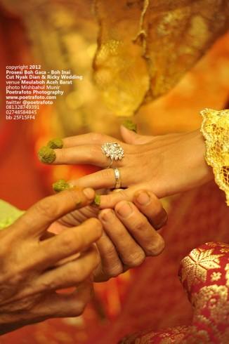 Foto Prosesi Boh Gaca Boh Inai Bainai Berinai Pernikahan Adat Aceh by Fotografer Wedding Yogyakarta