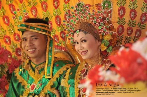 Foto Pernikahan Wedding Adat Bugis Baju Bodo di Pekanbaru Riau