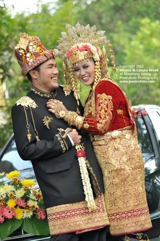 Foto Wedding Pernikahan Perkawinan Pengantin Adat Aceh Indonesia