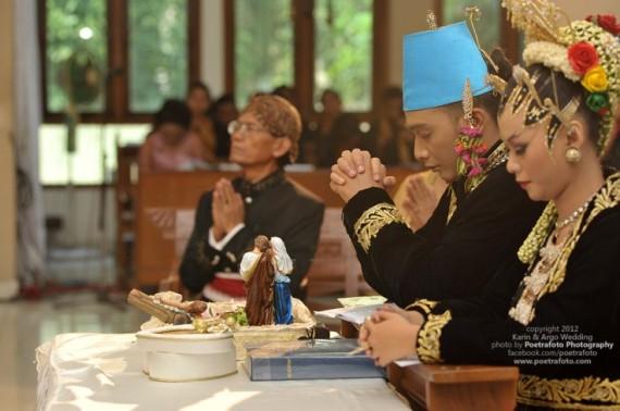 Foto Liputan & Candid Pernikahan Wedding di Jogja by Poetrafoto Photography