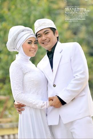 Foto Wedding Gaun Muslim Jilbab Modern dalam Pernikahan Nita & Andi di Wonogiri Jawa Tengah