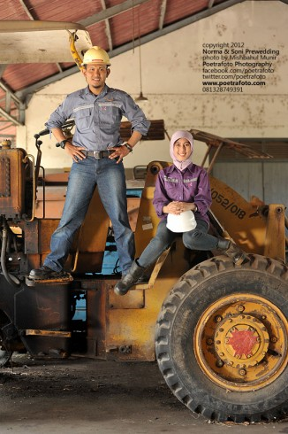 Foto Pre Wedding Outdoor Photo Concept for Hard Worker (Konsep Pekerja Tambang) for Norma & Soni prewedding