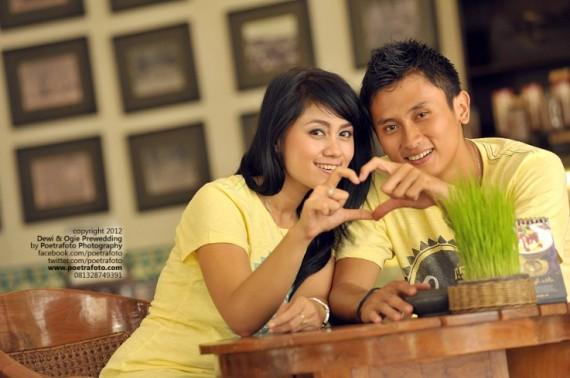 Foto Prewedding Indoor Dewie+Ogie di Yogya