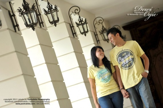 Foto Pre Wedding Dewie+Ogie di Hotel Phoenix Jogja Engagement photo by Poetrafoto Photography