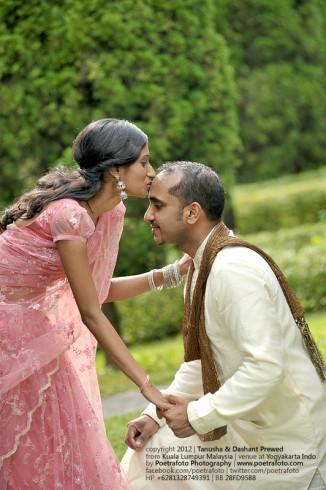 Indian Pre Wedding with Sari dress Photoshoot for Tanusha+Dashant from Kuala Lumpur Malaysia at Jogja