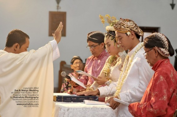 Foto Misa Pemberkatan Pernikahan di Gereja Hati Kudus Yesus Pugeran Jogja for Eva+Wahyu Wedding