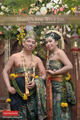 Foto PENGANTIN PAES AGENG Pernikahan Adat Jawa dalam INTAN & ADANG WEDDING, photo by POETRAFOTO Photography, Fotografer Yogyakarta Indonesia