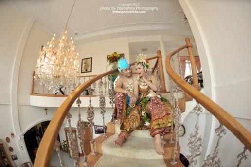 Traditional Java Wedding Dress Photo for Pernikahan Karin & Argo by Poetrafoto Photography Photographer based on Yogyakarta Indonesia